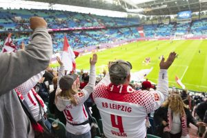 Begeisterte Fans beim Spiel gegen die Bayern