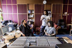 Aufnahmen in einem Tonstudio zu machen bedeutet: viel Technik, viel Abstimmung und verdammt viel harte Arbeit.