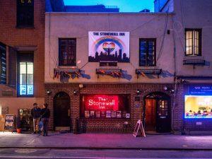 Außenansicht auf das Stonewall Inn in New York. Foto: CC-NC-SA 2.0 ejpphoto / eric / flickr