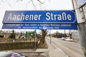 Straßenschild in der Aachener Straße in Leipzig, Sitz des Kleingärtner Museums