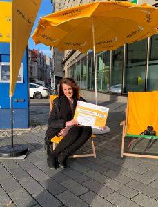 Leipzschini Jagd beendet: Die Gewinnerin mit ihrem Reisegutschein