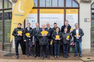 Leipziger Verkehrsbetriebe investieren: Gruppenbild mit LVB-Servicekräften