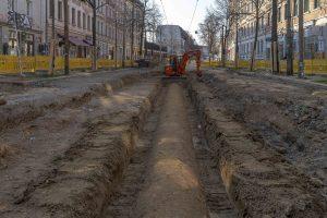 Baustelle Bornaische Straße: Ein Abwasserkanal liegt frei