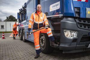 Mathias Berger arbeitet momentan mit sehr viel Abstand zu seinen Kollegen - bei Havarien und Störungen in Leipzigs Abwasserkanälen sind sie aber jederzeit auf Tour.
