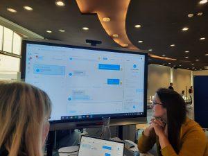 Mitarbeiter der LVB im Live-Chat mit Job-Interessenten.