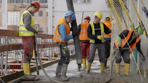 Bauarbeiter auf der Baustelle des neuen Heizkraftwerk Süd